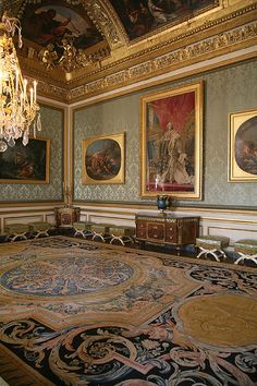 Chateau de Versailles - #interior #design #art #installation #artwall #gallery #artcollection #collection #museumviews #furniture #painting #decor