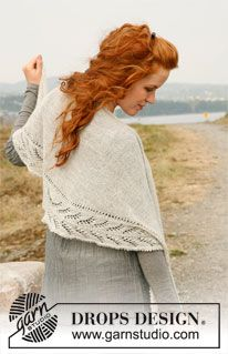 """Lily - Knitted DROPS shawl with lace pattern in """"Lace"""". - Free pattern by DROPS Design"""