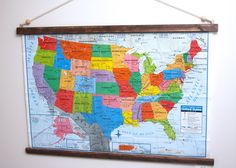 3 diy hanging wall map, crafts, how to, wall decor Diy Canvas Frame, Diy Frame, Map Canvas, Framed Maps, Map Wall Art, Light Up Canvas, Wall Christmas Tree, Mesh Wreath Tutorial, Hanging Posters