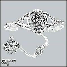 I love this slave bracelet