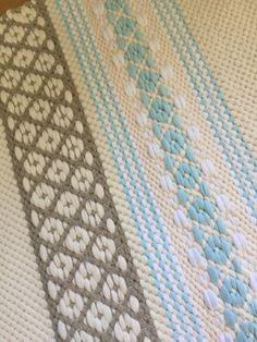 Touhua ja töminää: Kaks mattokaverusta Weaving Art, Hand Weaving, Textiles, Weaving Techniques, Rug Making, Scandinavian Style, Fiber Art, Pattern Design, Quilts