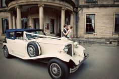 Check out the blog of this 20's wedding in London - totally made me think of you @Jessy Raspiller http://www.lovemydress.net/blog/2012/02/1920s-london-wedding-vintage-dinner-suit.html#more
