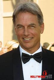 Mark Harmon-always was, still is gorgeous. I loved him in Summer School. I watch it all the time. He has been on NCIS so long that it is hard to think he ever did anything else! Mark Harmon, Leroy Jethro Gibbs, Gibbs Ncis, Mejores Series Tv, Ncis Cast, Ncis New, Hollywood, Most Handsome Men, Ncis Los Angeles