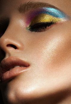 Be bold and try the metallic look- book your next beauty appointment at www.lookbooker.com.sg today!