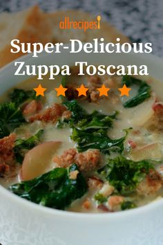 If you love the Zuppa Toscana at your local chain Italian restaurant, you will adore this soup. The rich soup is made with Italian sausage, potatoes, cream, and crushed red pepper. Soup Recipes, Dinner Recipes, Cooking Recipes, Toscano Soup, Toscana Recipe, Zuppa Toscana Soup, Soup And Sandwich, Sandwich Recipes, Star Food