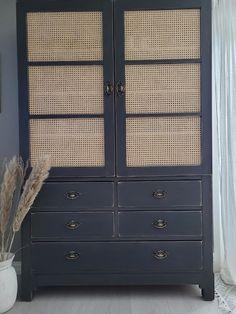 Hjerter og Hvite Liljer Furniture Makeover, Home Decor, Decoration Home, Room Decor, Furniture Redo, Home Interior Design, Home Decoration, Interior Design