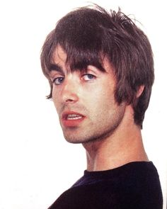 Wow 😍 Wasn't he just gorgeous? Liam Gallagher Noel Gallagher, Oasis Live Forever, Oasis Music, Liam And Noel, Oasis Band, El Rock And Roll, British Rock, Music Artwork, Britpop