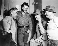 The Treasure of the Sierra Madre - Behind the scenes photo of Walter Huston, John Huston, Tim Holt & Jack Holt John Huston, Humphrey Bogart, Scene Photo, Black And White Pictures, Film Director, Actor Model, Classic Movies, In Hollywood, Classic Hollywood