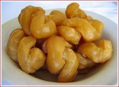 Koeksusters (Cook Sisters) This is a dough that is plaited, deep fried and then dunked in syrup. It is deliciously crisp on the outside and moist and gooey on the inside. It is wickedly sweet and a favourite with every South African South African Recipes, Ethnic Recipes, Africa Recipes, Cooking Puns, Sweet Pastries, International Recipes, Sweet Treats, Food And Drink, Favorite Recipes