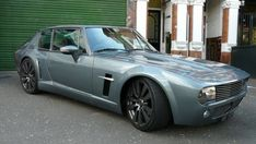 Jensen Viperceptor - heavily modded Jenson Interceptor with a Dodge Viper engine. Sooo wrong in so many ways, yet somehow. Classic Sports Cars, Classic Cars, Rolls Royce, Dodge Viper Engine, Jaguar, Jensen Interceptor, Automobile, Old School Cars, Hot Cars