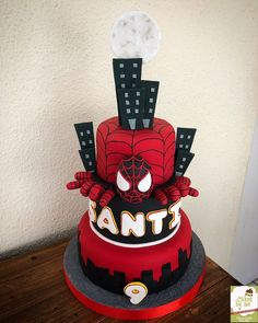 Spiderman a New Universe Cake By Cakesbyme Spiderman Theme Party, Spiderman Birthday Cake, Superhero Cake, Spider Man Party, 6th Birthday Parties, Birthday Party Decorations, Boy Birthday, Birthday Ideas, Batman Cakes