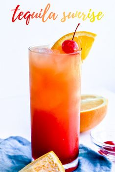 Tequila Sunrise: This tequila sunrise recipe is sweet and smooth, requires only three ingredients, and has the gorgeous color gradient of a summer sunrise!   tequila sunrise cocktail   tequila sunrise drink   sunset drink   fruity drink   tropical drink   stressbaking.com @stressbaking #stressbaking