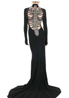 56 Classy Halloween Wedding Dress Ideas to Makes You Look Stunning - VIs-Wed Classy Halloween Wedding, Halloween Wedding Dresses, Dark Fashion, Gothic Fashion, Sweet Fashion, Pretty Dresses, Beautiful Dresses, Long Dresses, Dresses Dresses