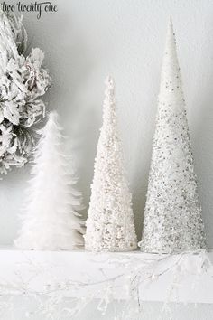 white christmas Last year I decorated o - Silver Christmas Decorations, Christmas Mantels, Christmas Centerpieces, Holiday Decor, Christmas Tables, Christmas Family Feud, Christmas Holidays, White Christmas, Minimal Christmas