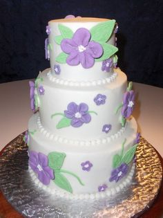Cute little flower cake.