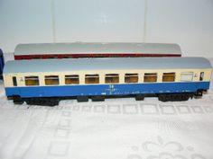 find seated Figures for HO Scale Passenger Cars at http://www.modelleisenbahn-figuren.com