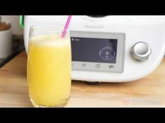 Zumo De Manzana Detox | Recetas De Cocina Para Thermomix Glass Of Milk, Drinks, Food, Youtube, Juicing, Soups, Beverages, Steamer Recipes, Apple Juice