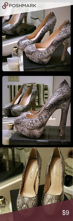 Breckelles Women's Snakeskin Block Heel Breckelles Women's Snakeskin Block Heel Size 6.5. Super cute and adds alot of height 👀👀👀👠👠👠Perfect to pair with any black dress or dress them up with a pair of black leggings flowy shirt or fitted blazer 😎😎😎 ***NWOT*** Breckelles Shoes Heels
