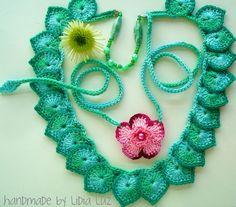 Idea Only...  Lidia Luz: As folhas e a flor, colares de crochê