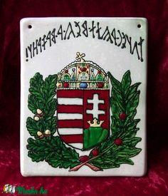 magyar címer, rovásos felirattal (Foenx) - Meska.hu Ceramics, Books, Diy, Ceramica, Livros, Bricolage, Ceramic Art, Livres, Clay Crafts