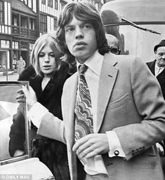 Mick Jagger & the Rolling Stones Into The Wild, Mick Jagger Young, Chrissie Shrimpton, Rock N Roll, Moves Like Jagger, Marianne Faithfull, Swinging London, Idole, Keith Richards