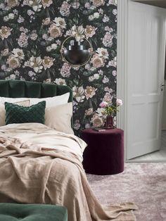 New Dawn Rose Wallpaper by Borastapeter Decor, Room Wallpaper, Wallpaper Living Room, Home Decor, Floral Bedroom, Floral Wallpaper Bedroom, Living Room Grey, Bedroom Decor, Trendy Bedroom