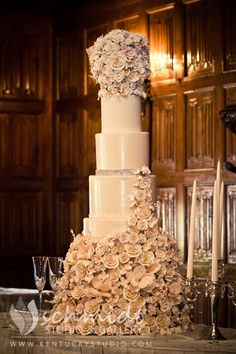 Wedding Cake at Spindletop Hall - Lexington, KY