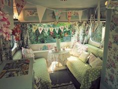romantic cottage vintage camper