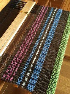 Weaving Art, Weaving Patterns, Loom Weaving, Hand Weaving, Textiles, Home Art, Fiber Art, Projects To Try, Carpet