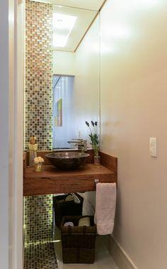 Residência Jardim Avelino: Banheiros modernos por LAM Arquitetura | Interiores