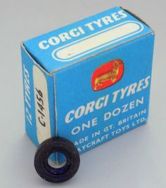 VINTAGE CORGI BOX OF 12 BLACK CAR TYRES BY PLAYCRAFT TOYS C-1456 VERY NEAR MINT