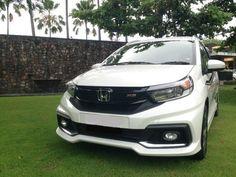 Setelah meluncurkan New Honda Mobilio di pertengahan Januari lalu, Honda Indonesia mengajak puluhan jurnalis untuk melakukan test drive mobil low multipurpose vehicle (MPV) ini di Bali