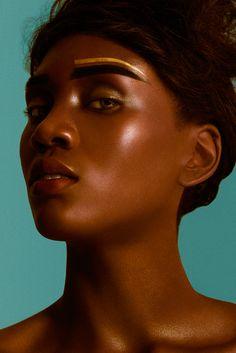 Fotografía: Felipe Hoyos Montoya Maquillaje y pelo: Carolina Restrepo Modelo: Eva @ AE Models Asistente de fotografía: Daniel Díaz Cuervo Revista:192