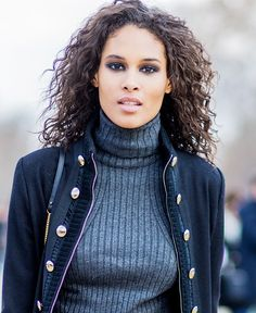 Want to have chic, effortless (and we mean effortless) French-girl hair? Look no further.