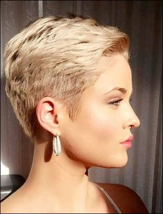 68 Best Stunning Pixie Short Hairstyle 💖 For Stylish Ladies Love To Try For Fall And Winter 👩 - Pixie Haircut 04 💕𝕴𝖋 𝖀 𝕷𝖎𝖐𝖊, 𝕵𝖚𝖘𝖙 𝕱𝖔𝖑𝖑𝖔𝖜 𝖀𝖘!💕 💕 💕 💕 💕 💕 💕 💕 💕 💕Everythings about pixie short hairstyles for women! Short Pixie Haircuts, Pixie Hairstyles, Short Hairstyles For Women, Short Hair Cuts For Women Edgy, Super Short Hair Cuts, Short Hair Pixie Edgy, Super Short Pixie, Stylish Hairstyles, Pixie Cut