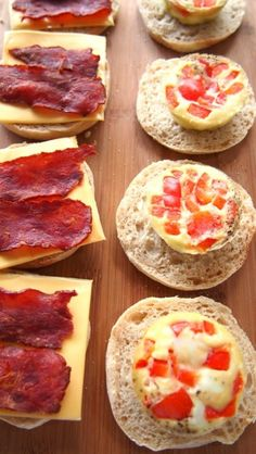 Project Preparation : Breakfast Sandwiches To-Go All Week Long! – Simply Taralynn I just made these yesterday it takes a little time but totally worth it. The sandwiches are yummy and convenient Make Ahead Breakfast Sandwich, Breakfast On The Go, Homemade Breakfast, Breakfast Time, Breakfast Sandwiches, Breakfast Recipes, Mexican Breakfast, Egg Sandwiches, Breakfast Pizza