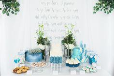 #mundushannover #handmade #fineartbakery #candybar #winter #winterwedding #cakes #cupcakes #sweettable #weddinginspiration #cakepops #dripcake #flowers #winterwedding #foodporn #hanover #hannover  Foto: @martinwehrmann  Flowers: @milles_fleurs_  Blog: @friedatheres  Candy Bar: @mundushannover