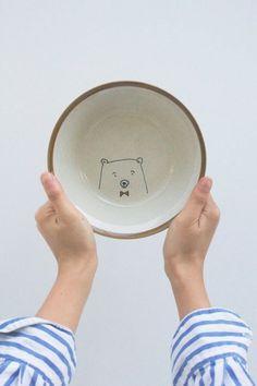 Porzellan-bemalen-mit-einem-Bären