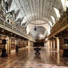 Biblioteca do Palacio de Mafra #biblioteca #books #library #portugal #mafra #travel #europe