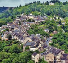 Najac in Aveyron in southern France La Roque Gageac, Southern France, Beaux Villages, Belle Villa, Dordogne, City Photo, Travel Destinations, Road Trip, Europe