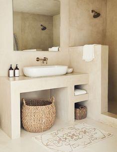 Bad Inspiration, Bathroom Inspiration, Bathroom Styling, Bathroom Interior Design, Studio Interior, Interior Livingroom, Bathroom Lighting, Spanish Style Bathrooms, Spanish Style Decor