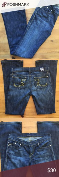 Rock Republic Jeans Great condition size 28 cut 002747 98% cotton 2% Lycra please see pic some wear on bottom of jean in the back 16 in waist 44 in long 33 in inseam bottom of jean 9 in wide  💕💕 Rock & Republic Jeans