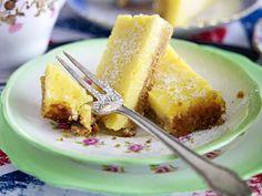 Teatime - süße & herzhafte Snacks zur Teestunde - lemon-squares  Rezept