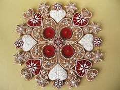 Moha Konyha: Gingerbread Advent wreath with red tea candles. How can I make this sans gingerbread? Christmas Candle, Noel Christmas, Merry Christmas And Happy New Year, Christmas Baking, Christmas Cookies, Christmas Wreaths, Fancy Cookies, Royal Icing Cookies, Gingerbread Decorations