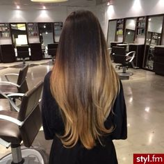Fryzury Proste włosy: Fryzury Długie Na co dzień Proste - CzEkOlAdKa2010 - 2641453