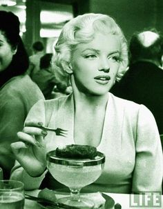 Marilyn Monroe - marilyn-monroe photo #list of amazingness