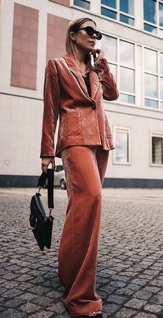 Fall Outfit ideas   Streetstyle   What to wear this fall Street Chic, Street Style, Four Eyes, Velvet Cushions, Wide Leg Pants, Fall Outfits, What To Wear, Jumpsuit, Suits