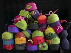 These hats by fiber artist Laurie Chambers of Acme Hats  are just the perfect ending to a good week here at Kstyle . I love the colors, the ...