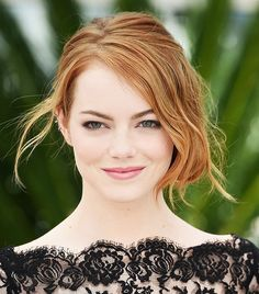 Emma Stone's soft and romantic makeup look