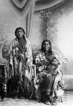 We-Yah-Yet-Chy (the wife of Moaf-Towat), unknown with child - Comanche - no date